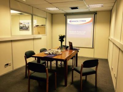 images/contentImages/meeting room.jpg